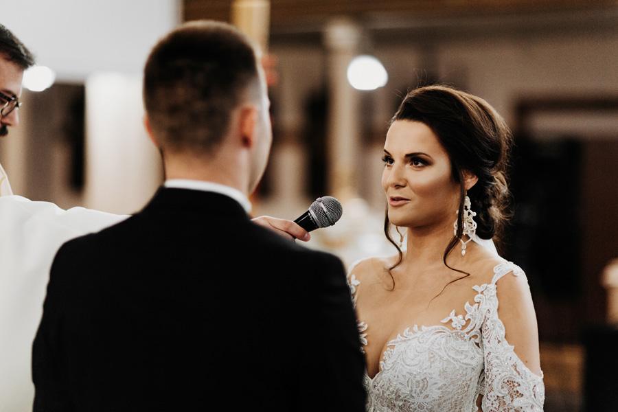 ślub przysięga kościół wesele fotograf ślubny fotograf na wesele
